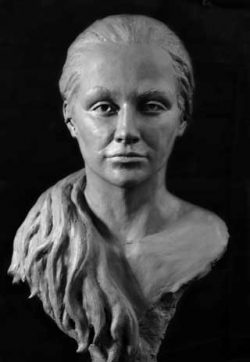 Naomi Bunker, portrait sculpture