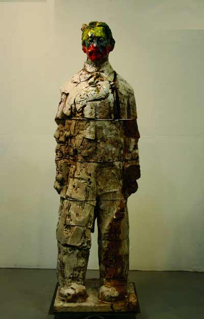 Wanxin-Zhang-figurative-ceramic-sculpture