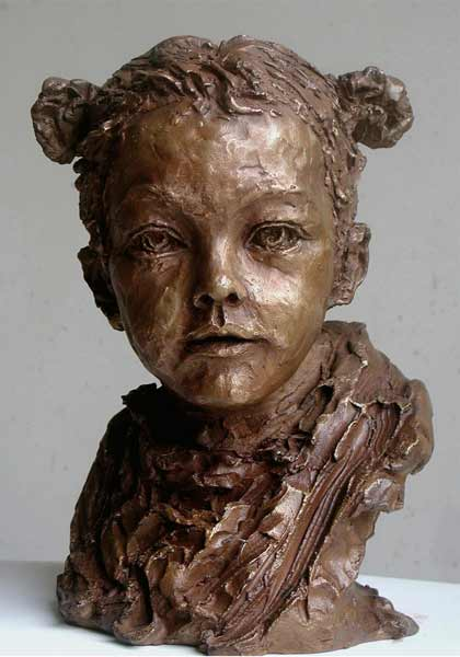 Nacera-Kainou-SARAH, figurative bronze portrait sculpture of small girl