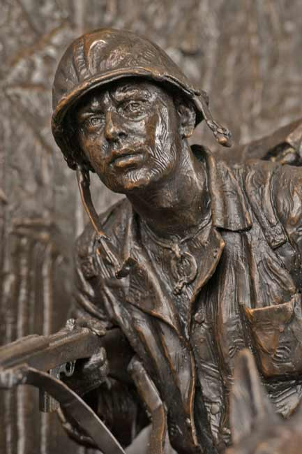 Mardie-Rees-soldier-sculpture