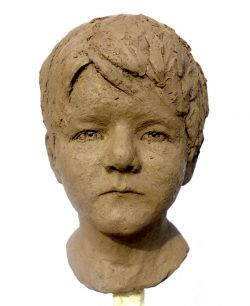 Annett Schlichting, modelling portraits in clay